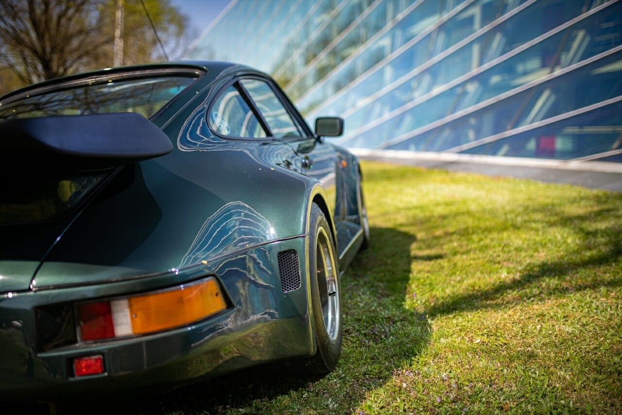 Flachbau Porsche